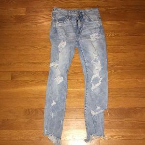 American Eagle Light wash blue jeans